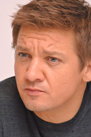 Jeremy Renner picture G338028