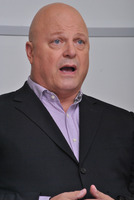 Michael Chiklis picture G782875