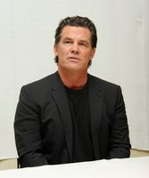 Josh Brolin picture G789438