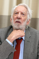 Donald Sutherland picture G796255