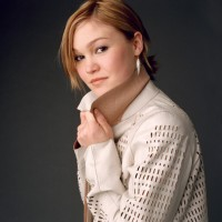 Julia Stiles picture G79835