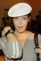 Mandy Moore picture G8022