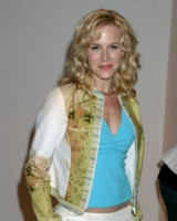 Julie Benz picture G81070