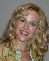 Julie Benz picture G81071