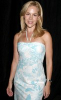 Julie Benz picture G81076