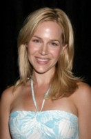 Julie Benz picture G81077