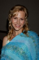 Julie Benz picture G81095