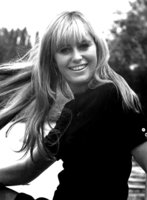 Susan George picture G816263