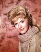 Connie Stevens picture G822188
