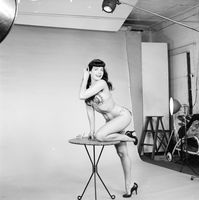 Bettie Page picture G827225