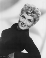 Judy Holliday picture G835582