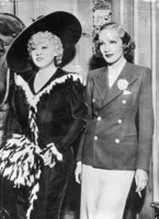 Mae West picture G842971
