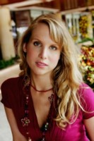 Lucy Punch picture G84476