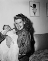 Rita Hayworth picture G848070