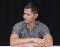 Jay Hernandez picture G855606