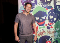 Jay Hernandez picture G855607