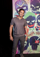 Jay Hernandez picture G855613
