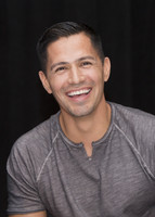 Jay Hernandez picture G855614
