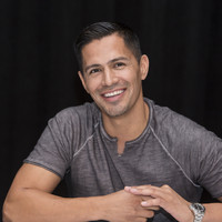Jay Hernandez picture G855618