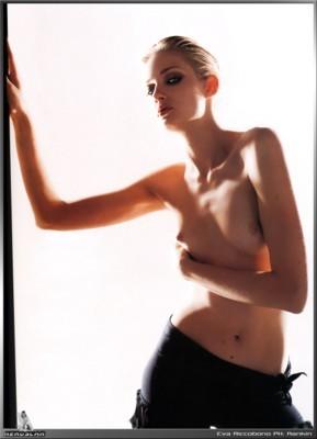 Eva Riccobono poster G8825