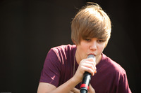 Justin Bieber picture G890625