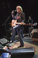 Daryl Hall picture G892860