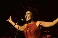 Shirley Bassey picture G908225
