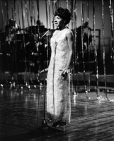 Shirley Bassey picture G908228