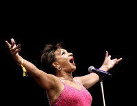 Shirley Bassey picture G908233