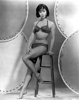 Yvonne Craig picture G920359