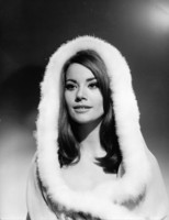 Claudine Auger picture G932310