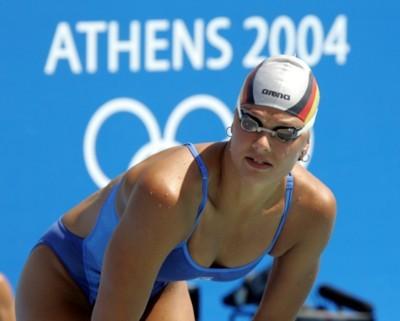 milli bayan yüzücü mayoları gözlüğü