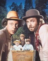 The Apple Dumpling Gang movie poster (1975) picture MOV_22fede4b