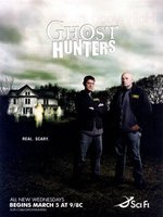 Ghost Hunters movie poster (2004) picture MOV_2f02f8c2