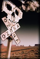 Outside Ozona movie poster (1998) picture MOV_3071d805