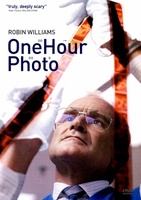 One Hour Photo movie poster (2002) picture MOV_6f485827
