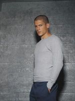 Prison Break movie poster (2005) picture MOV_590e8294