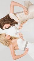 Bride Wars movie poster (2009) picture MOV_f54a6fa3